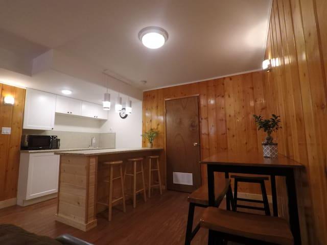 Sleepy Bear Inn -2BedroomSuites GroupAccommodation