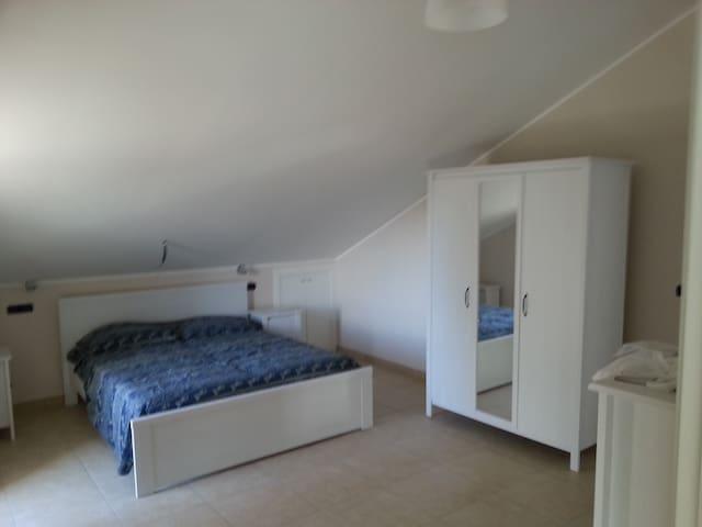 Appartamento in villa singola  - Collecorvino - Apartament