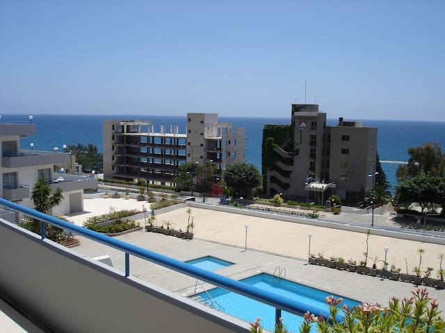 NEW Stylish 1 bedroom sea view apartment - Agios Tychon