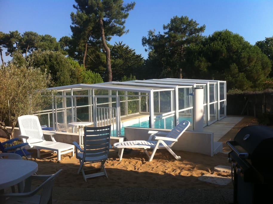 Maison avec piscine priv e couverte bretignolles for Camping bretignolles sur mer piscine couverte