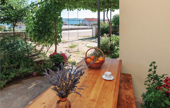 Holiday apartment with 1 bedroom on 46m² in Maslenica