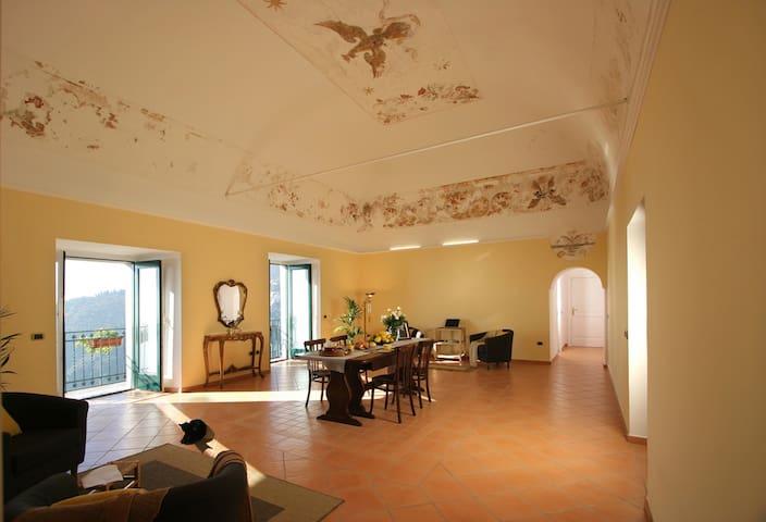 PALAZZO VERONE (camera bianca) - Scala