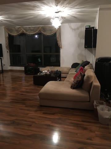 JBR awesome private room shared flat LT preference