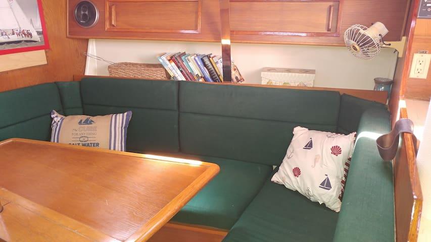 Sleep On A Boat! - Charleston - Barco