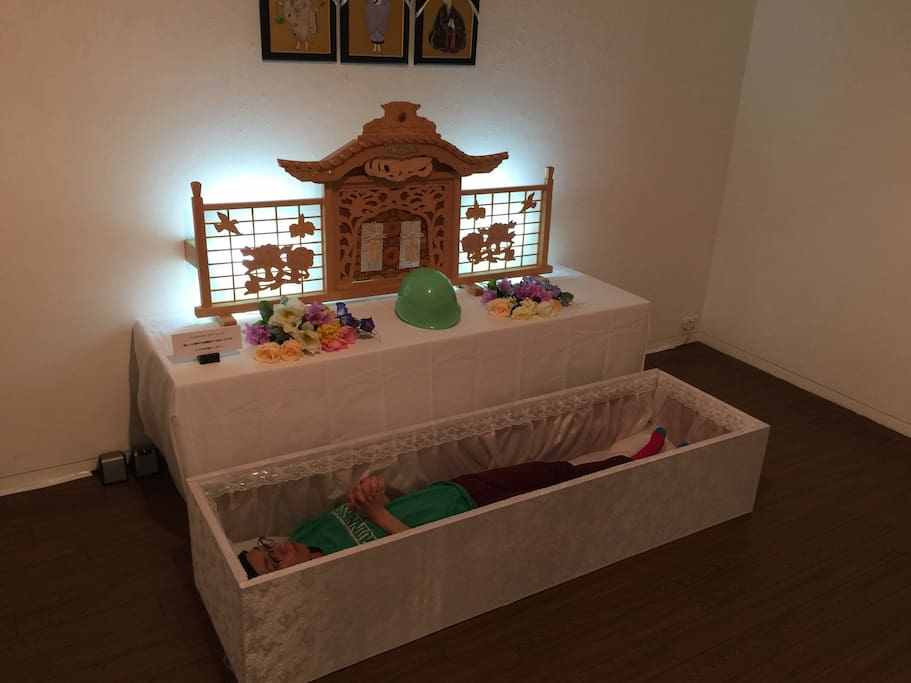 Experience sleeping in Buddhist ceremony coffin
