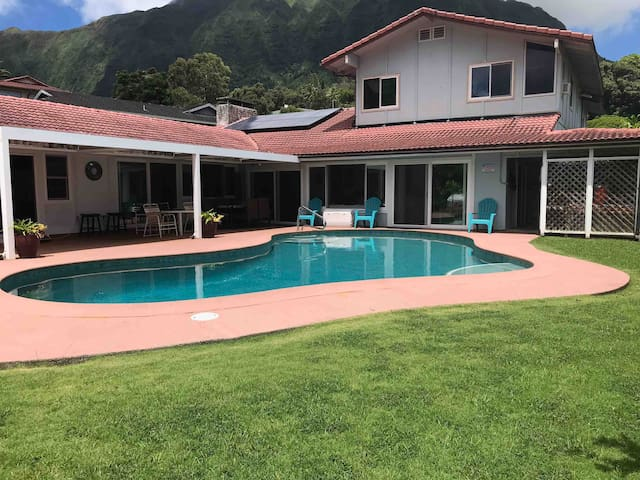 Large house w/private pool jacuzzi bar 5000+ sq ft
