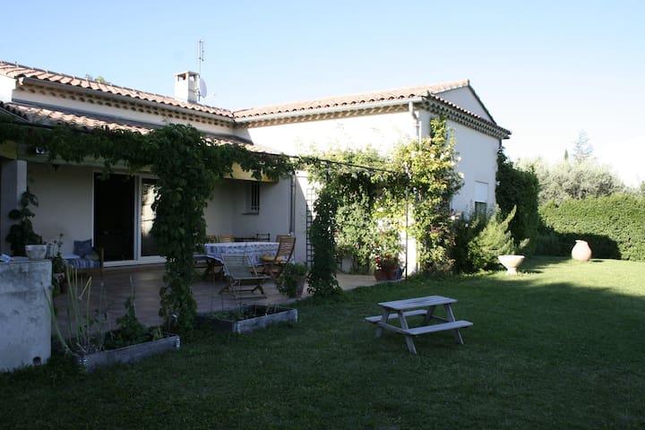Modern villa i vinby i Provence - Cairanne - Σπίτι