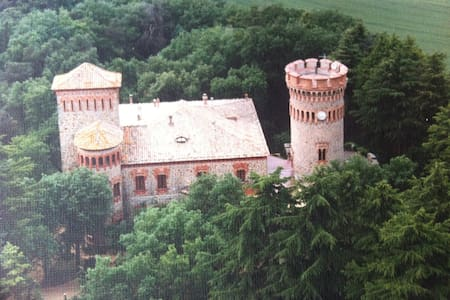 Nice apartment in a Castle near Barcelona & Girona - Wohnung