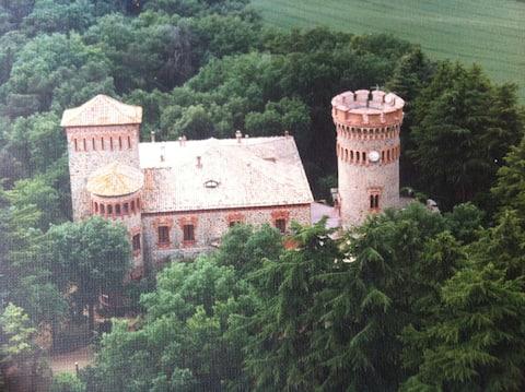 Hyggelig leilighet inne i et slott i nærheten av Barcelona