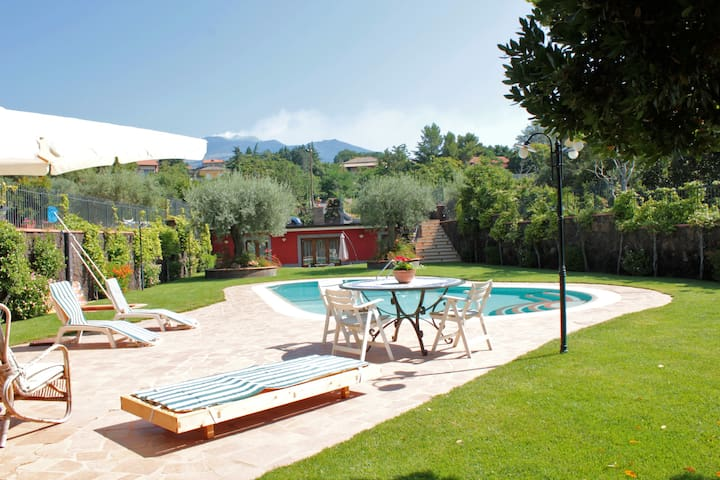 Etna House, panoramic swimming pool