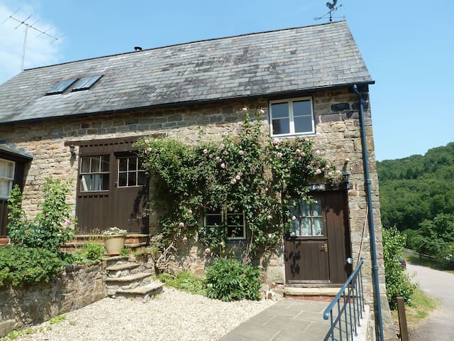 Charming Barn Conversion - Redbrook - House
