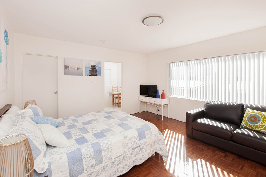 Enjoy this newly furnished spacious studio 5 minutes walk to beautiful bronte beach