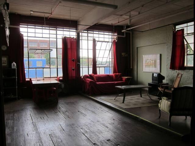 industrial loft, central location - Cleveland - Apartmen