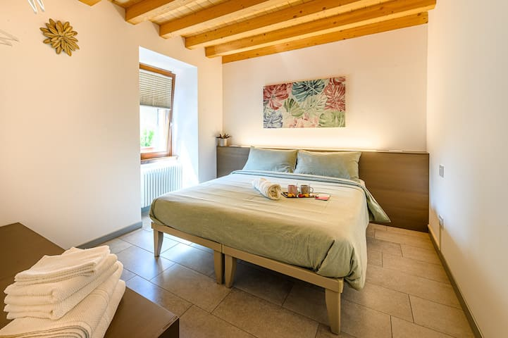 Old Town Apartments Tirano