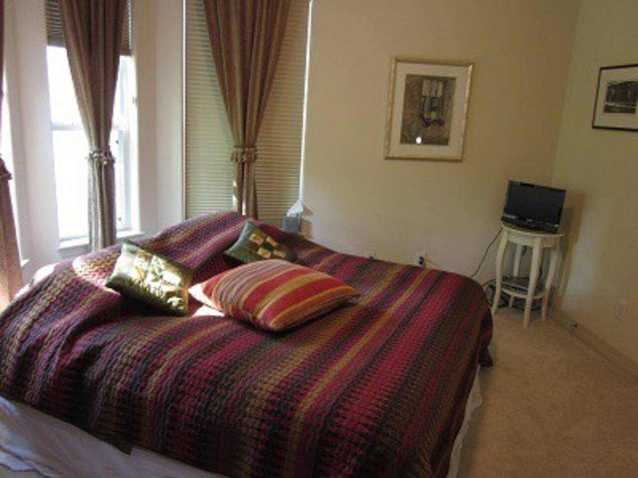 Room with King bed