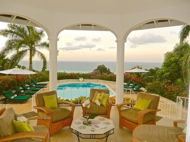 Beach Membership/Beachview- 6 br/w Golf,Pool