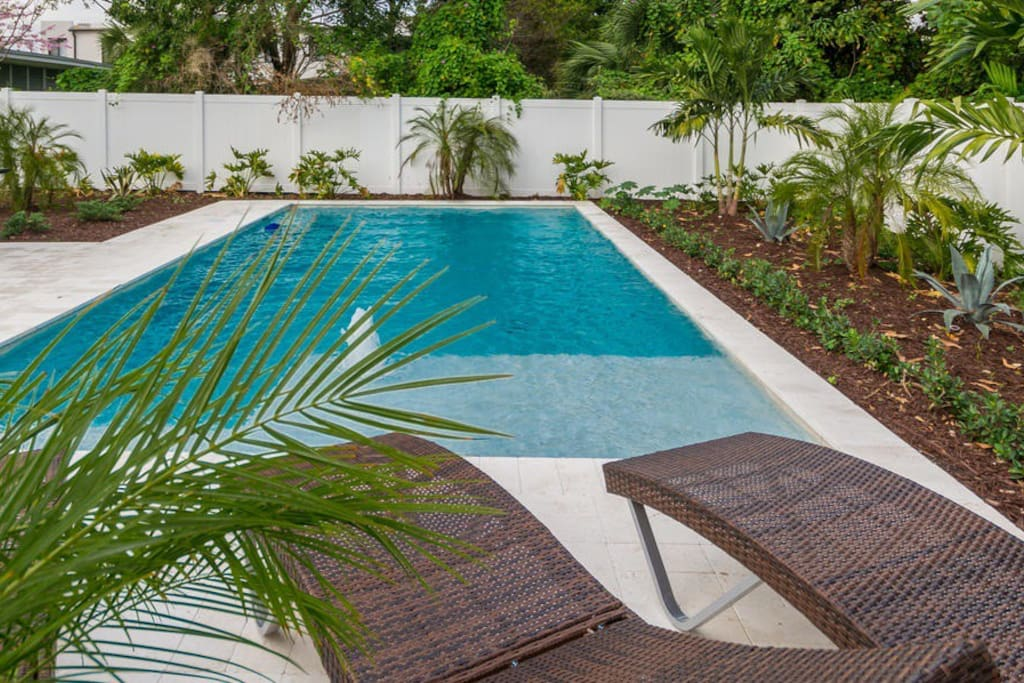 Pool Bungalow In The Heart Of Fort Lauderdale Bungalows For Rent In Fort Lauderdale Florida
