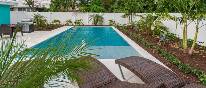 Pool Bungalow in the Heart of Fort Lauderdale!