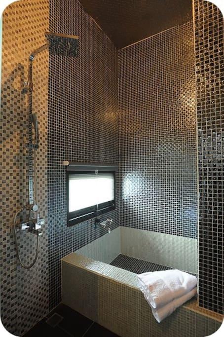 獨立衛浴大浴缸