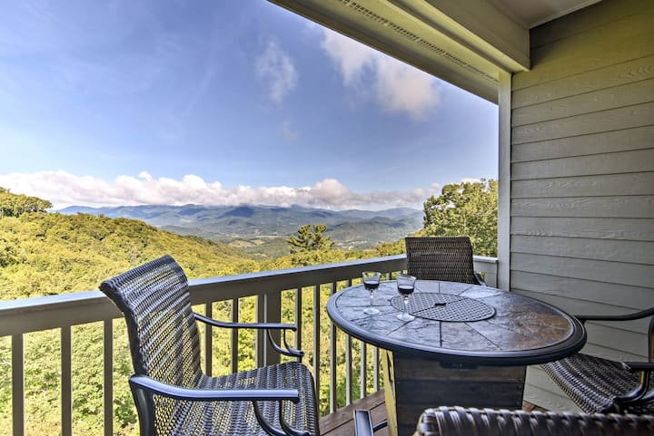 Mountaintop Home w/ Views, 36 Miles to Asheville!