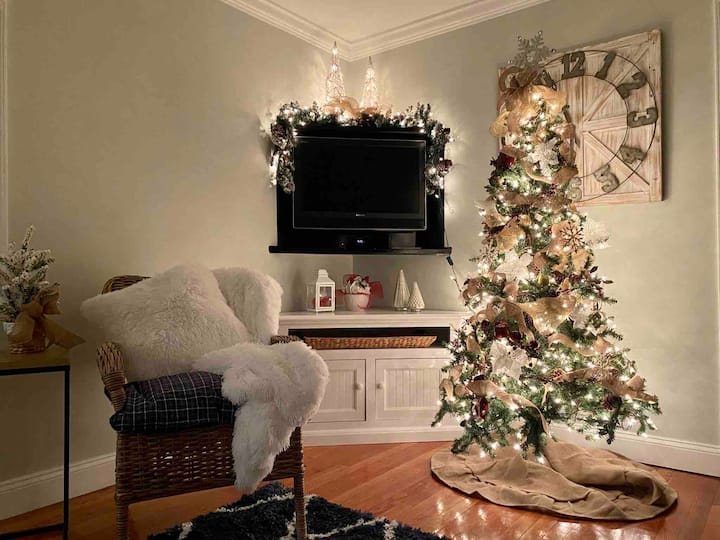 Christmas at the Cozy Cottage in Sag Harbor
