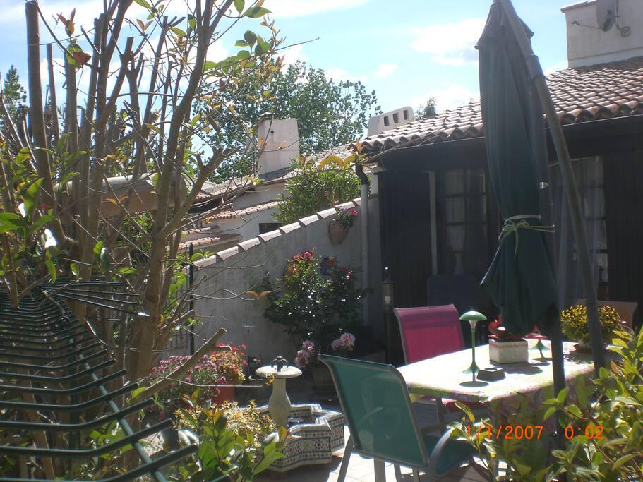 Maison au coeur de la camargue houses for rent in for Maison de la camargue