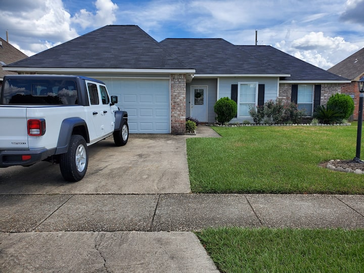 Baton Rouge Home Located close to LSU area