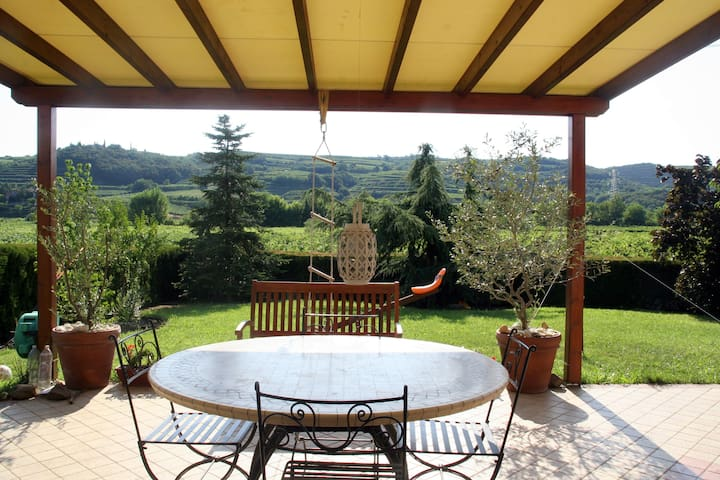 Soave country-house close to Verona - Costeggiola - Huis