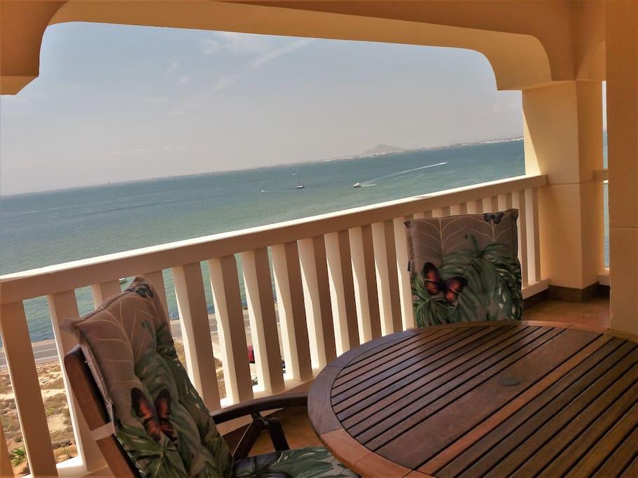 Vistas al mar desde la terraza.