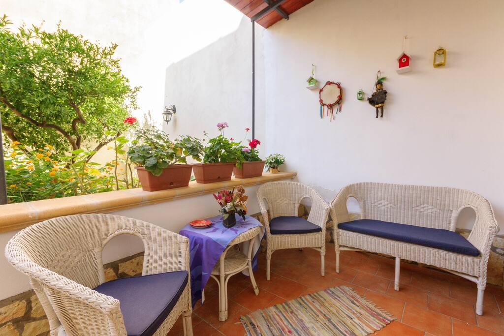 Casa vacanze con giardino a trapani free wifi case in - Casa con giardino milano ...