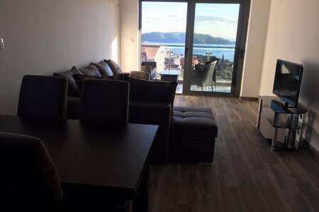 Oliva Lux One Bedroom Apartment - Bečići - アパート