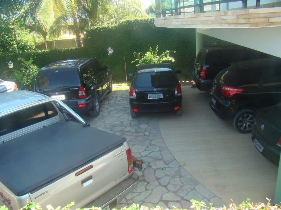 garagem para 8 carros