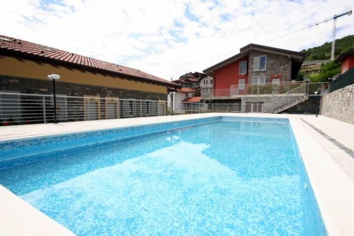 Sant'Anna Orange sleeps 5 - with pool - Pianello del Lario - Daire
