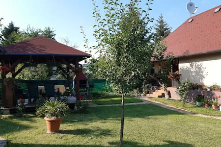 "Rustic house for rest ""BAJTICA"""