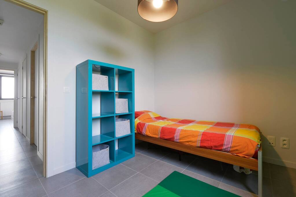 This room is very simple but clean, quiet and warm.