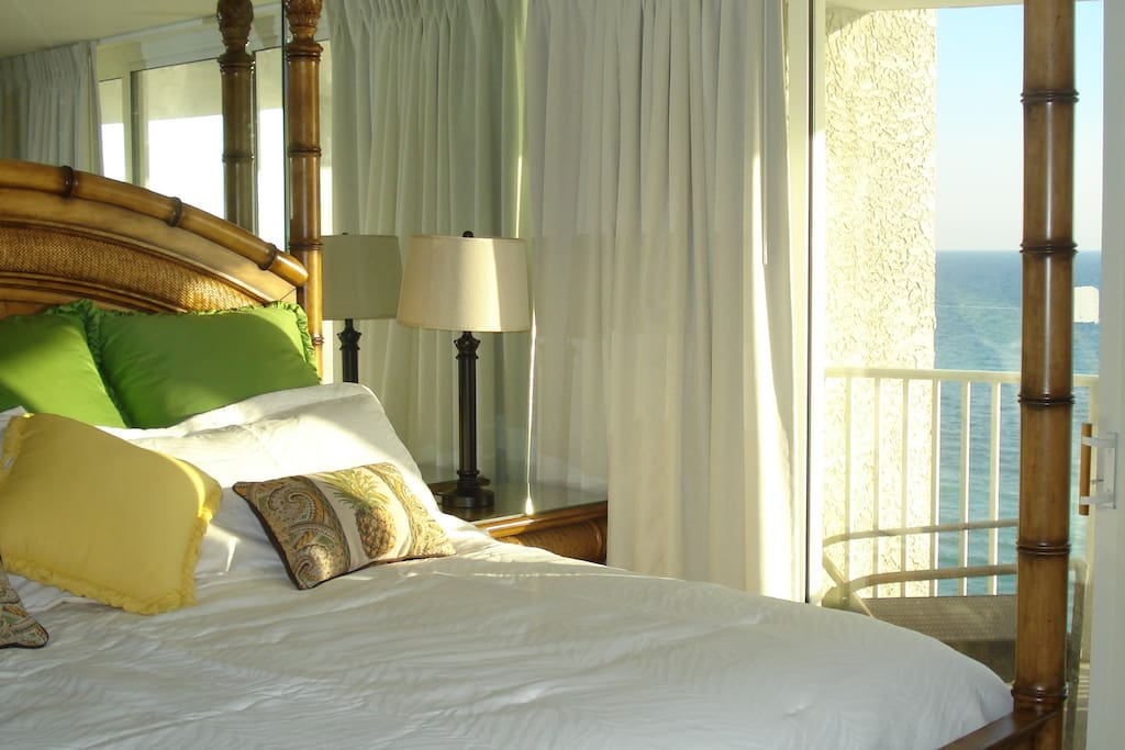 King Sized heavenly bed with balcony overlooking ocean