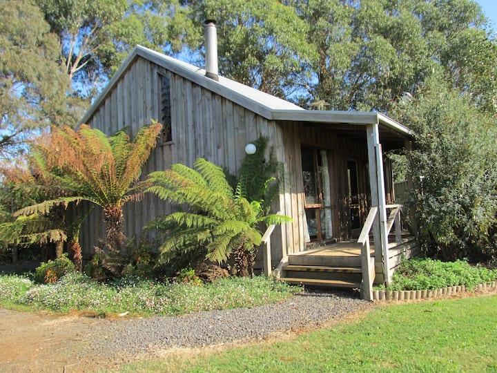 Bloomfield Fern Cottage near Warragul