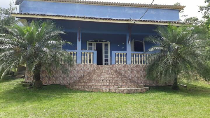 Casa de campo perto de cachoeira e praia 20mn dela