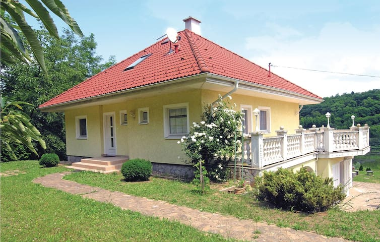 Holiday cottage with 2 bedrooms on 79 m² in Bárdudvarnok