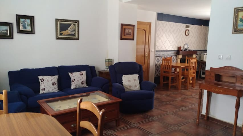 Casa muy amplia y cómoda cerca de Granada