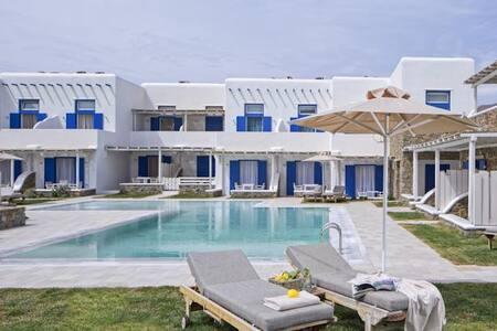 Blue Studio,  30 meters from beach - Ornos