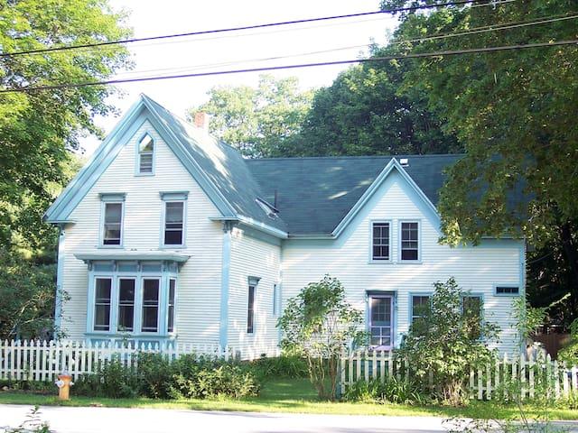 """Peaks Island """"Villa Maria"""" - Portland - House"""
