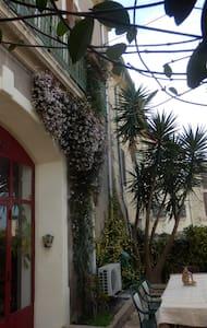 Maison 130m2, près de la mer, 80€ par jour.Urgent. - Castelnau-de-Guers - Rumah