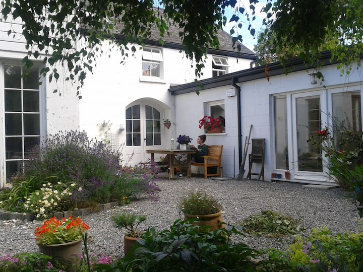 (Rm. 2) Corner House, Newtownmountkennedy