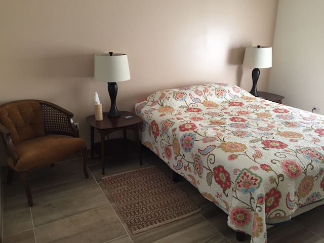 Refugio 411  (Brand New Downtown Apartment!) - Ensenada - Apartment