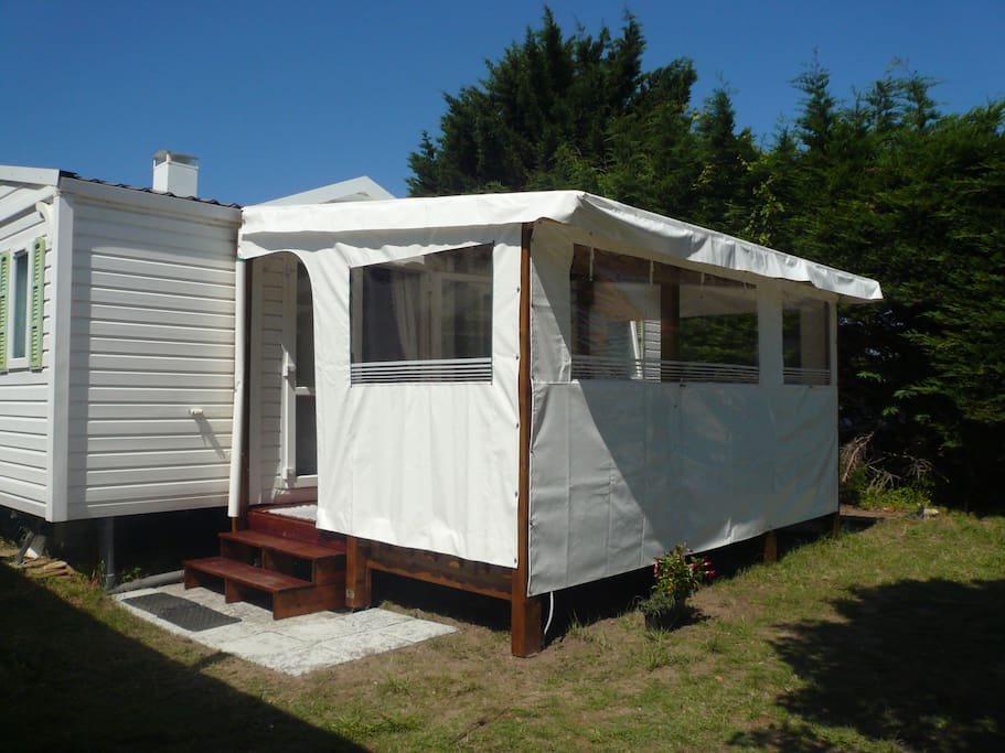 mobil home ile d oleron 900 m plage camping bungalows for rent in saint pierre d 39 ol ron. Black Bedroom Furniture Sets. Home Design Ideas