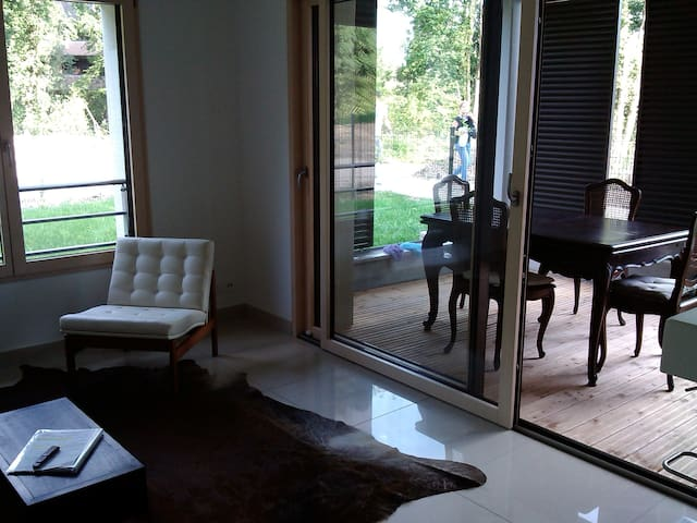 Charming and Quiet Room close to Nature & Center