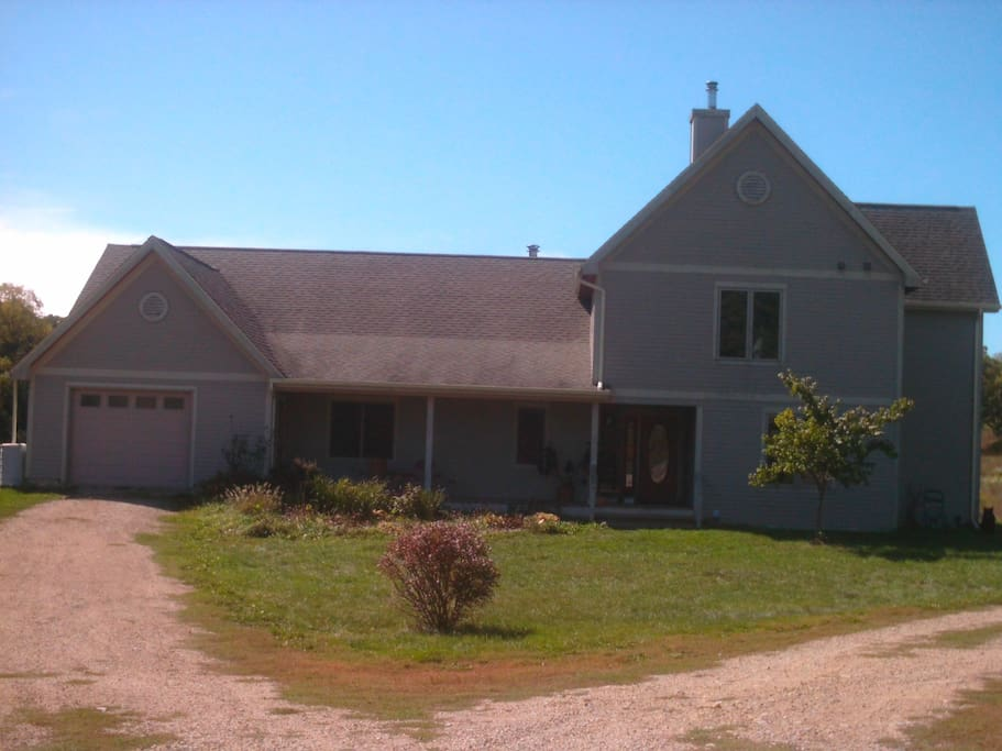 blanchardville dating We live on the other side of the house and there is a cottage rental on site as well as chickens and pigs ~dorothy's grange  around blanchardville more places.