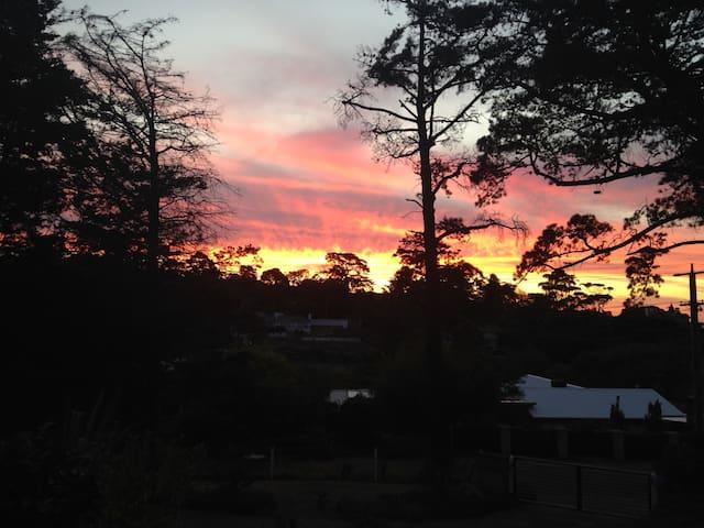 Amazing Sunset views of Mount Eliza and Davies Bay