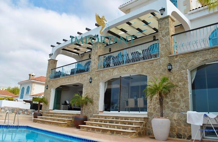 KB418- 4 Bedroomed Villa With Pool in Kyrenia